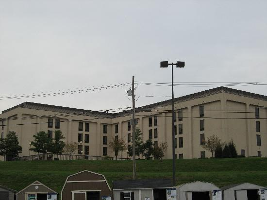 Hampton Inn Frankfort: back of hotel