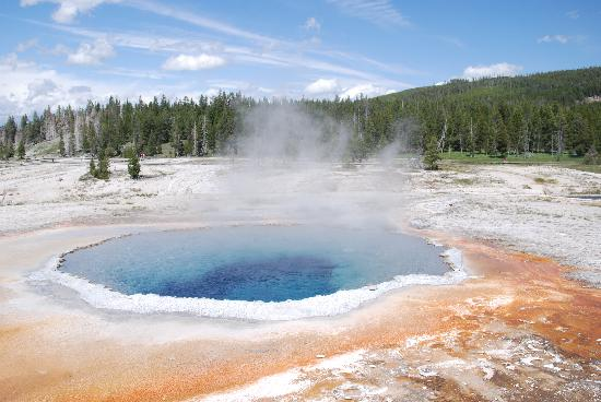 Brandin' Iron Inn: Grand Prismatic Pool