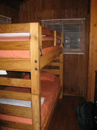 Montfair Resort Farm : Cabin 4 bunk beds