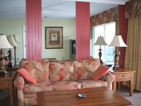Sand Pebble Resort : Livingroom