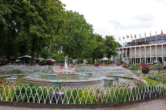 โคเปนเฮเกน, เดนมาร์ก: Tivoli Garden