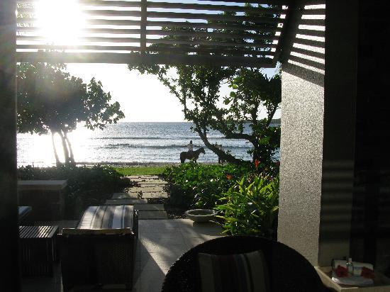 InterContinental Fiji Golf Resort & Spa: Evening view from the room