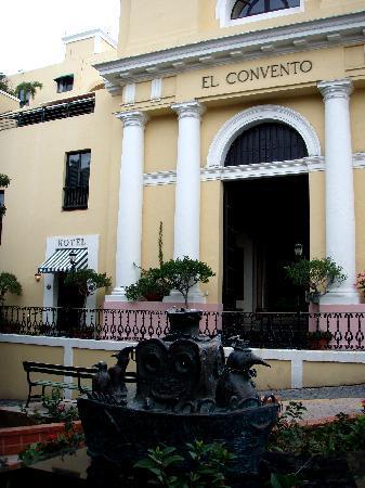 Old San Juan: Outside the hotel