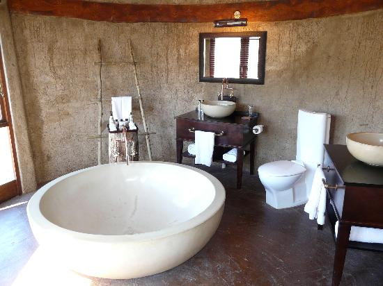 Nguni River Lodge: bathroom