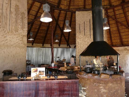 Nguni River Lodge: kitchen