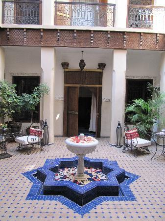 Riad le Clos des Arts: Hotel Courtyard