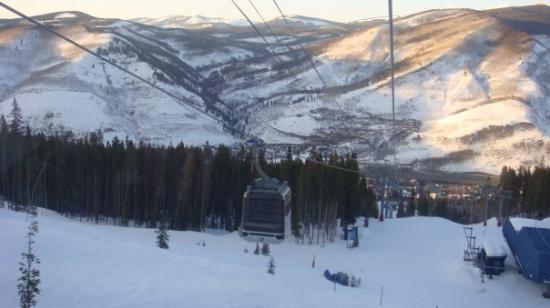 Vail Mountain Resort: Yes, the gondi goes all the way up to the top of the mountain!  Very scary the first time, piece
