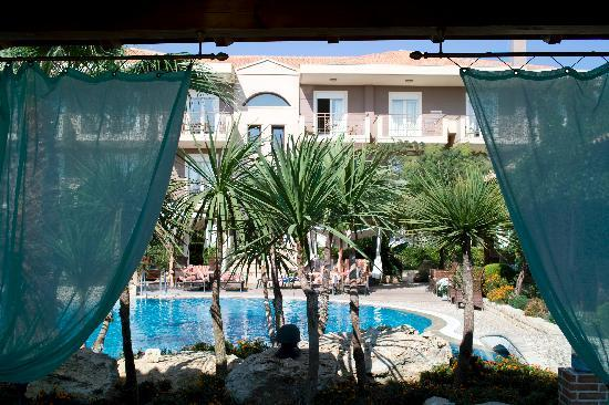Achtis Hotel : General view of pool area