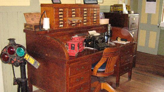 Chicago & Alton Railroad Depot: Railroad Desk with other items - Railroad Desk With Other Items - Picture Of Chicago & Alton