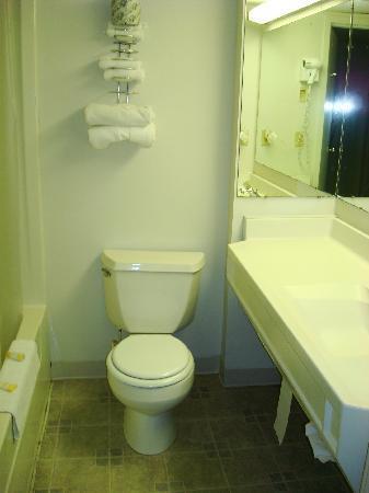 ذا ساند كاسل موتل: Bathroom