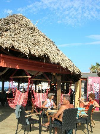 Portokali Apartments: Mylos Beach Bar and Taverna