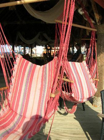 Portokali Apartments: Cool seats at Mylos Beach Bar and Taverna