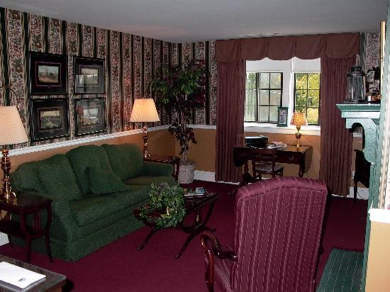 The Red Coach Inn Historic Bed and Breakfast Hotel: The Bristol Suite