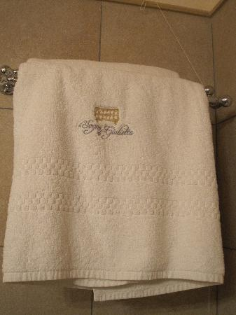 Il Sogno di Giulietta: Towel (TA makes me enter a caption)