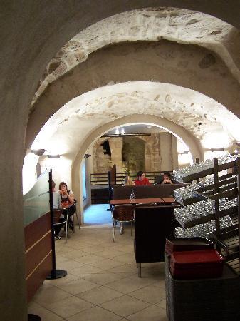 Auberge de Jeunesse MIJE  Fourcy: breakfast area