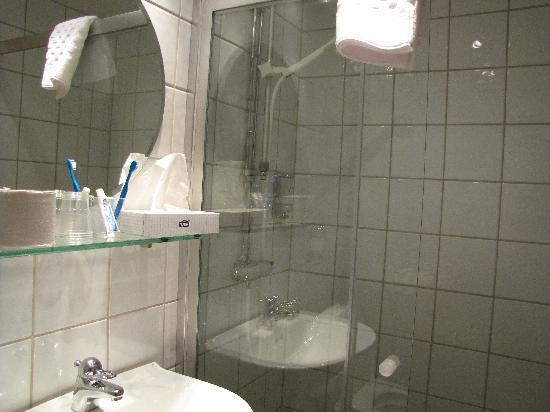 Best Western Hotel Karlaplan: bathroom