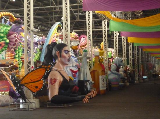 Blaine Kern's Mardi Gras World: A view of one of the rows of floats!
