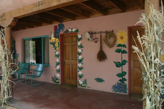 Inn on the Rio: Outside decor