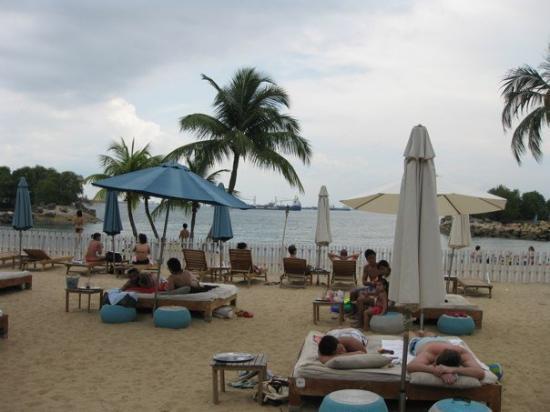 Mambo Beach Club: Day trip to Sentosa Island, Singapore.