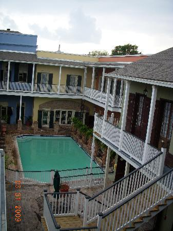 French Quarter Suites Hotel: Beautiful Courtyard