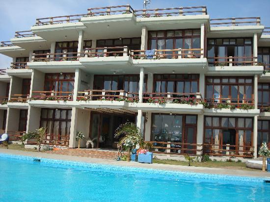Palmazul Hotel & Spa: view of hotel from beach