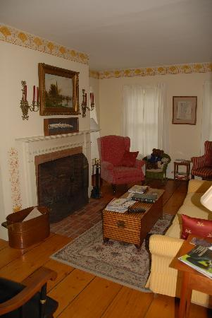 Applebutter Inn: Living Room