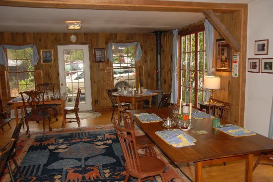 Applebutter Inn: Dining Area