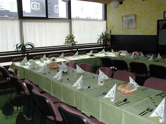 """Restaurace Skalka: prepared for """"party"""""""