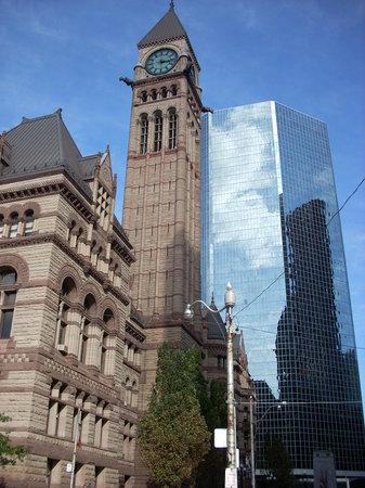 mélange de culture et d'architecture à Toronto