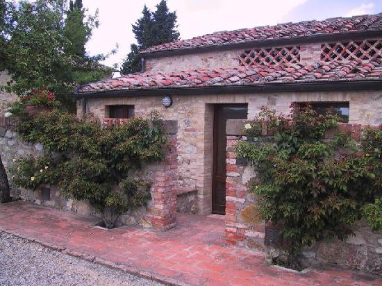 Tenuta di Monaciano: Tramonto sulle pietre di Monaciano