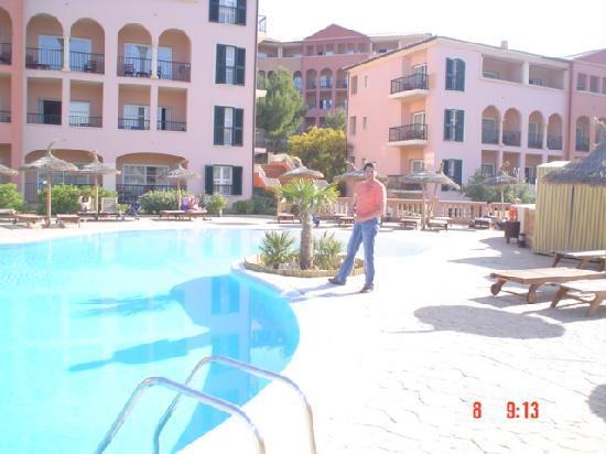 Don Antonio: Pool
