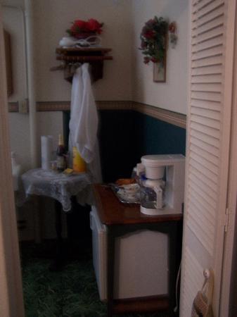 Hamilton House Inn: Bathroom 1