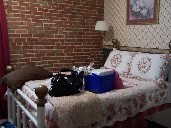 Hamilton House Inn: Mimsi Room 1