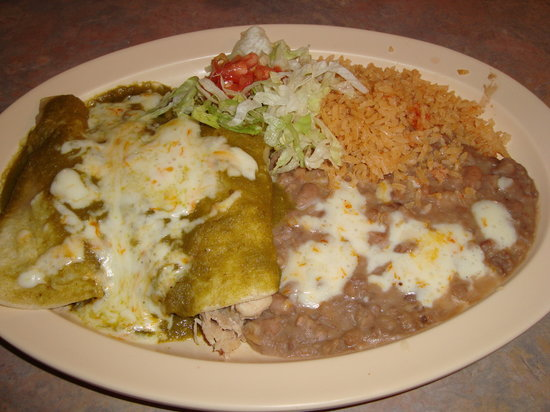 La Hacienda: Chicken Enchilladas