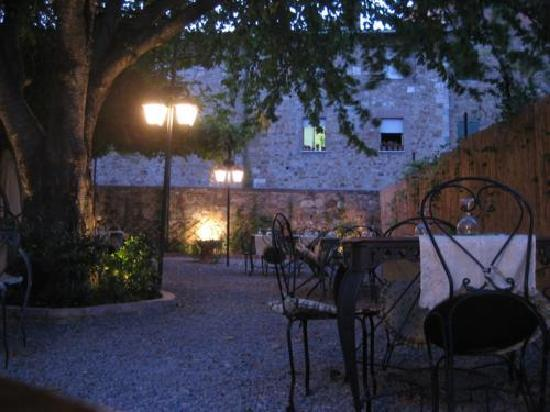 Trattoria Osenna: View from garden