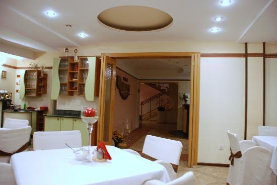 Petrus Hotel: Resturant / bar