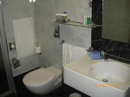 Hotel Beyaz Saray: baño de habitacîón estandar