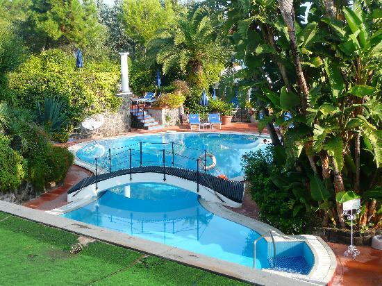 Il Moresco Hotel: Beautiful thermal pools.