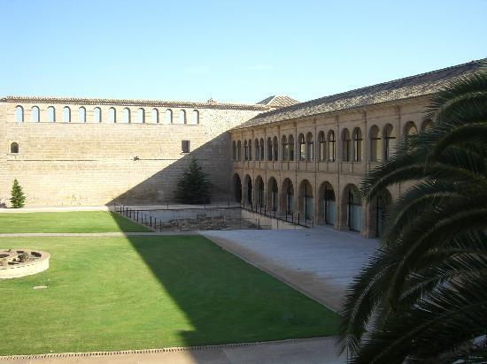 Sastago, Spain: Patio del hotel