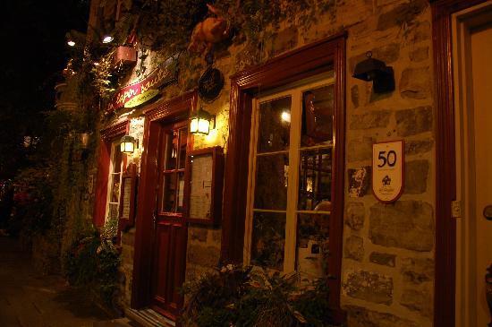 Le Lapin Sauté: Outside the Restaurant