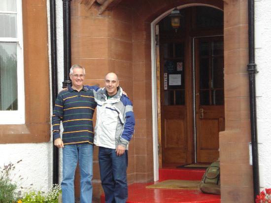 Pinewood Country House: Con Jim en la puerta