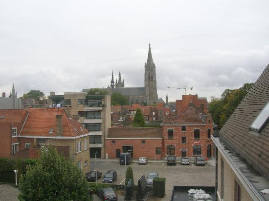Ariane hotel: The view of the Cloth Hall from our room