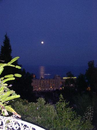 Residence Schuler: sera, vista dal terrazzo...
