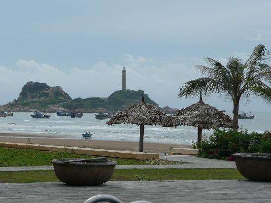 Princess D'An Nam Resort & Spa: vue sur la plage et le phare