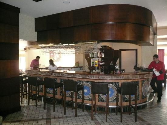 Villa Side Hotel: Lobbybar