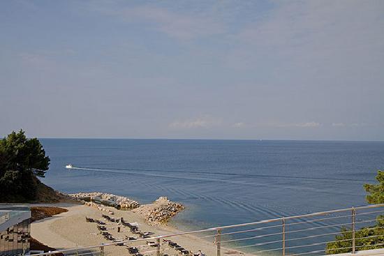 Kempinski Hotel Adriatic Istria Croatia: Privatstrand