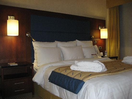 Ghent Marriott Hotel: comfy bed