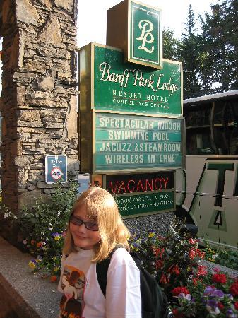 """Banff Park Lodge Resort and Conference Centre: """"Spectacular"""" Sign"""