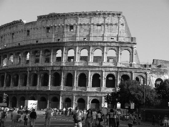Matisse Colosseum: El Coliseo, a la vuelta de la esquina.