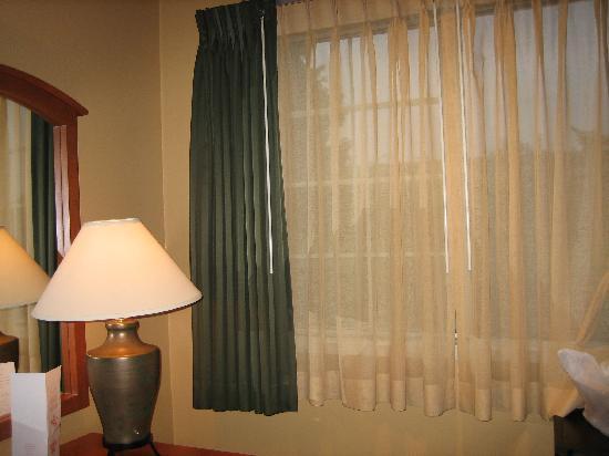 Redmond Inn: Window